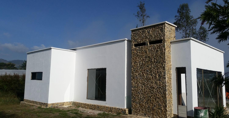 Casas prefabricadas en medellin bogota y villavicencio for Puertas prefabricadas precios