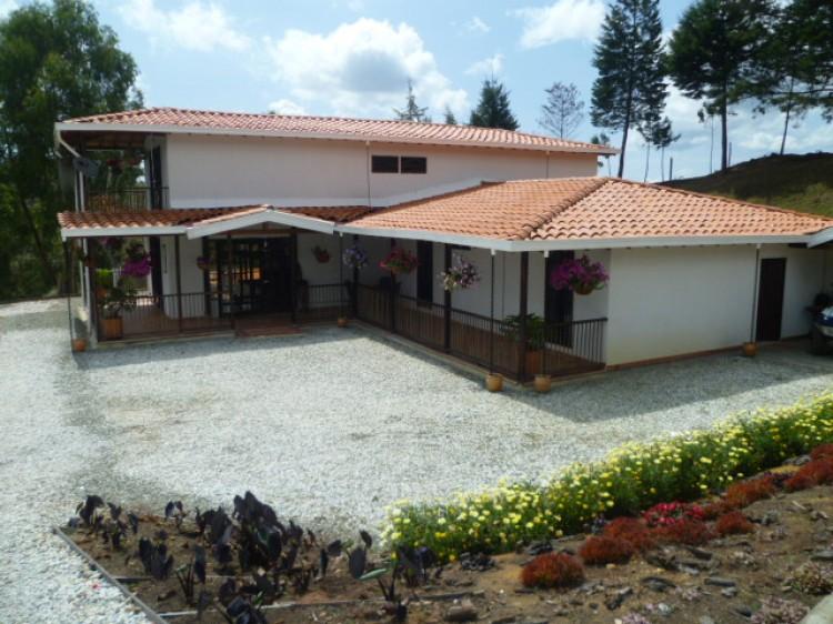 Galeria 2 casas prefabricadas for Cocinas integrales manizales